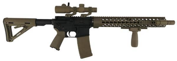 ar15 with foregrip and pistol grip